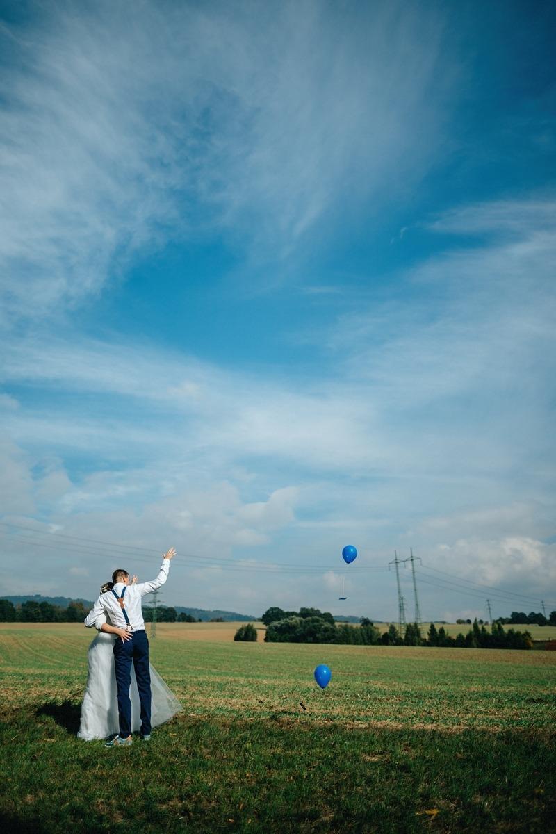 dva modré balónky...